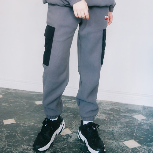 [언아웃핏]UNISEX FLEECE POCKET PANTS CHARCOAL