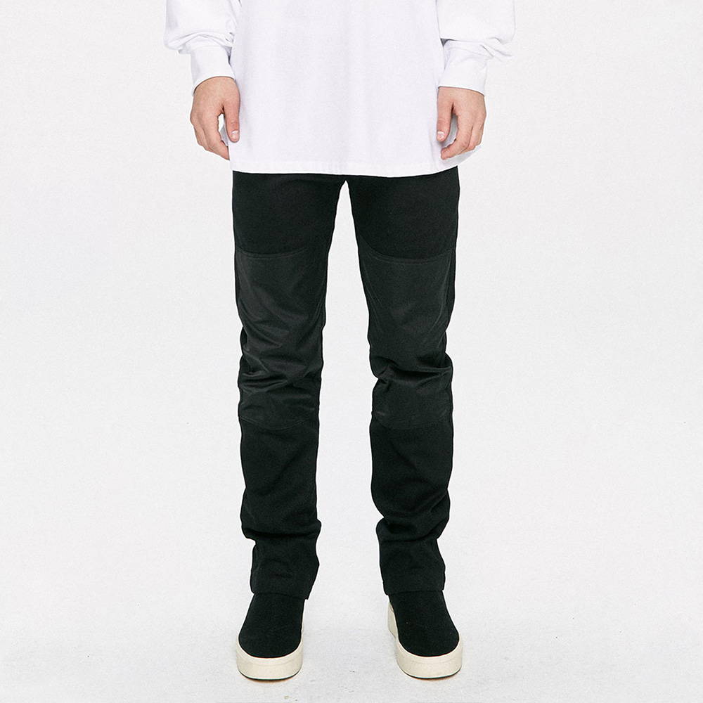 [D.PRIQUE] Panel Straight Pants - Black/Black