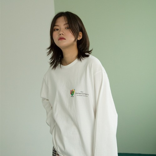 [UNLIKELOOK] U.U.U LONG SLEEVE TEE (IVORY)