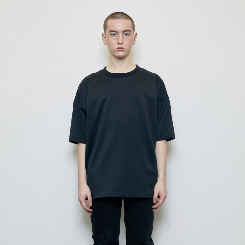 [D.PRIQUE] Oversized Logo Label T-shirt Black