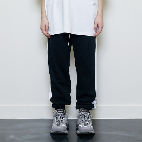 [박서준 착용] [D.PRIQUE] Track Jogger Pants Black/White